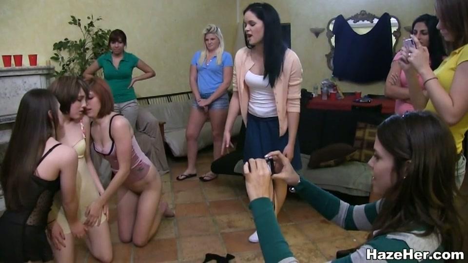 lesbis aspirant leden gedwongen totdat hoogtepunten
