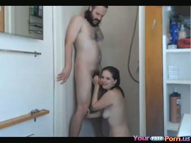Het geile stel heeft live orale sex voor de webcam