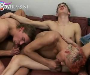 Oraal gay twink trio