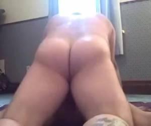 Hoe hij zijn meisje lekker anaal neukt